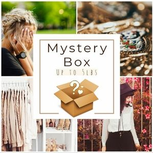 Other - 5LB 10-13 Piece Women's MYSTERY BOX ❣️